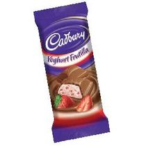 TABLETA-CHOCOLATE-RELLENO-CON-YOGUR-FRUTILLA-CADBURY-80GR